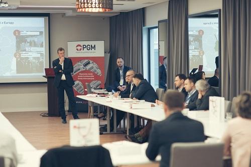 Problemy i rozwiązania dla automotive – rynek pracy, automatyzacja iubezpieczanie działalności produkcyjnej
