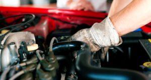 Samodzielna naprawa samochodu – czy warto?